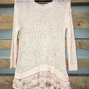 Entro Large weave sweater w/lace ruffle bottom.